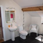 The Hawthorns B&B Bathroom